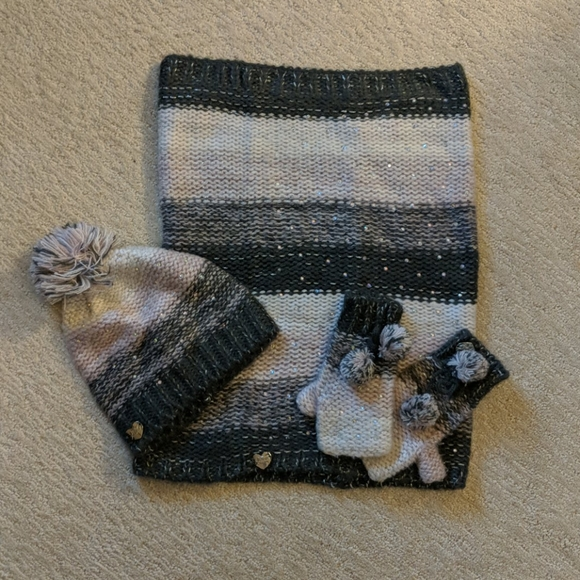 Betsy Johnson hat, scarf and gloves set